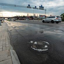 Netoli Vytauto Didžiojo tilto – nekasdienis vaizdas