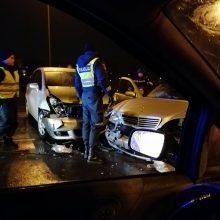 Avarija Kauno centre: eismo įvykį sukėlusi girta moteris vairavo vogtą mašiną