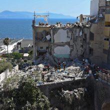 Italijoje sugriuvus daugiabučiui žuvo aštuoni žmonės