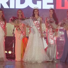 Tarptautinio grožio konkurso laureatė: lino drabužiai puikiai reprezentuoja Lietuvą