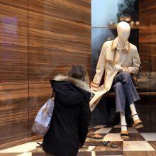 Italai stipriai apkarpė išlaidas drabužiams, bet mados pramonėje krizė – mažiausia