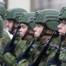 KAM ir kariuomenė: savanoriams turėtų būti draudžiama dalyvauti politikoje