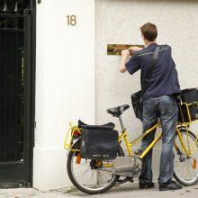 Lietuvos paštas laiškininkams nupirko elektrinių dviračių