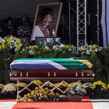 PAR atsisveikino su W. Madikizela-Mandela kaip su nacionaline didvyre