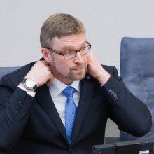 Premjeras sukritikavo L. Kukuraitį: Lietuvą žudo biurokratija