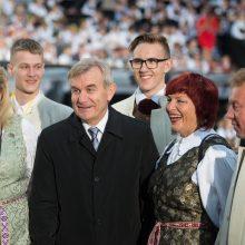 Seimo pirmininkas dalyvaus Latvijos dainų ir šokių šventėje