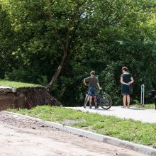 Liūčių apgadintų dviračių takų Vilniuje remontas užtruks dvi savaites