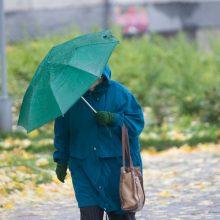 Oras visiškai subjurs: draskysis vėjas ir merks lietus