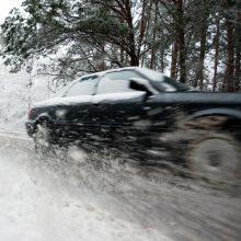 Situacija keliuose: kai kuriuose rajonuose – plikledis