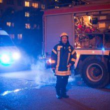 Per gaisrą bute nukentėjo tėvas ir sūnus