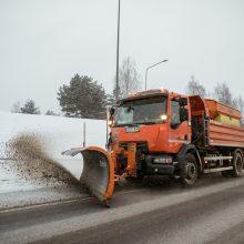 Žiemos iššūkis: Vilniaus kelininkai ruošiasi 60 valandų snygiui