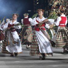Kalnų parke – protėvių giesmės, karo šokiai ir banguojantys rugiai