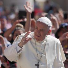 Talkinti per popiežiaus vizitą panoro jau 1700 savanorių