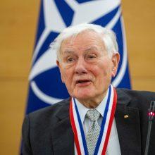 V. Adamkus: Lietuva nepasirengusi valdžios sutelkimui vienose rankose