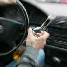 Neblaivius vairuotojus tramdė ir pareigūnai, ir pilietiški asmenys