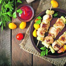 Vasaros virtuvėje – mėsa su dūmo kvapu <span style=color:red;>(receptai)</span>