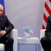 Kremlius neatmeta V. Putino ir D. Trumpo susitikimo galimybės