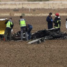 Britanijoje susidūrė lengvasis lėktuvas ir sraigtasparnis, yra žuvusiųjų