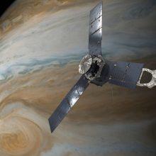 Mokslininkai: Jupiterio audros siaučia 3 tūkst. km atmosferos storymėje