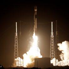 """""""SpaceX"""" raketa išskraidino į Mėnulį privataus Izraelio konsorciumo aparatą"""