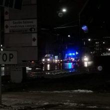 Judrioje Kauno gatvėje – trijų automobilių avarija, nukentėjo žmogus