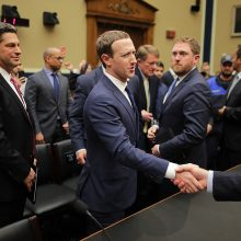 M. Zuckerbergo ir JAV Kongreso akistata  – be aiškaus laimėtojo
