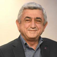 Po nesiliaujančių protestų atsistatydino Armėnijos premjeras