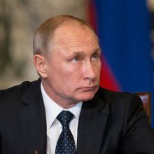 Apklausa: beveik du trečdaliai rusų palaikytų V. Putiną prezidento rinkimuose