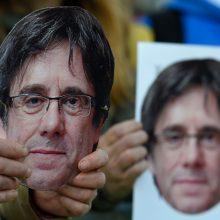 C. Puigdemont'as pripažįsta pralaimėjimą?