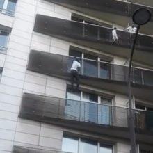 Paryžiuje didvyris įspūdingai išgelbėjo keturmetį