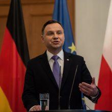 Lenkijos prezidentas siunčia dvejopą žinutę dėl nacionalistų organizuojamų eitynių