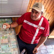 Atkaklus vyro siekis: 36 metus renka valstybių pinigus – trūksta tik vienos valiutos