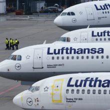 """Vokietijos """"Lufthansa"""" dėl sistemų sutrikimo atšaukia 22 reisus"""