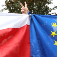 Lenkijos premjeras gina ES piktinančias reformas
