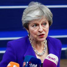 """Th. May patvirtino esanti atvira siūlymui pratęsti pereinamąjį laikotarpį po """"Brexit"""""""