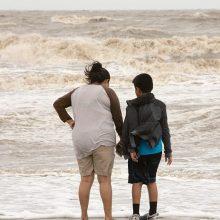 Prie JAV Meksikos įlankos pakrantės artėja potenciali atogrąžų audra
