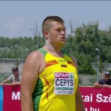 Lietuvos vėliavą nešantis rutulio stūmikas D. Čepys: varžybose teks žaisti galva