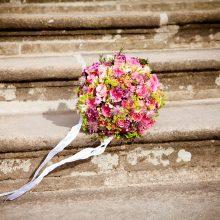 Ypatingas atsidavimas: per vestuves pašautas jaunikis vis tiek susituokė