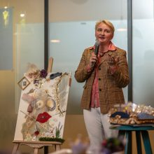 I. Petrikaitės parodoje – gerumo akcija krūties vėžiu sergančioms moterims