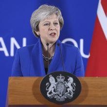 """Britų premjerė Th. May bandys įtikinti šalį pritarti """"Brexit"""" susitarimui"""