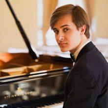 Vakaro harmonijos: jaunosios kartos pianisto J. Šopos rečitalis