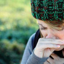 Trys pagrindiniai peršalimo simptomai: kaip išvengti komplikacijų?