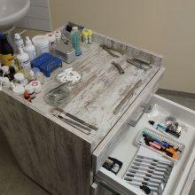 Už nelegalią odontologo veiklą teisiamas kaunietis – vėl pareigūnų akiratyje
