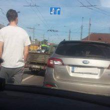 Drama Vilijampolėje: kauniečiai užblokavo girtą vairuotoją
