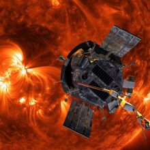 """NASA ruošiasi paleisti pirmąjį """"Saulę paliesiantį"""" zondą"""
