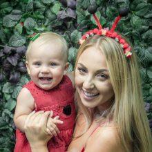 E. Straleckaitė-Daugėlė švenčia pirmąjį dukros gimtadienį: tai – lyg tyla prieš audrą