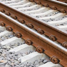 Sostinėje prie geležinkelio bėgių rastas vyro lavonas