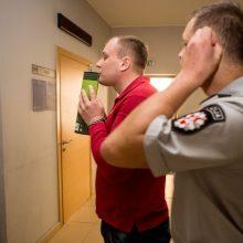 Apsimelavęs žagintojas paleistas teismo salėje