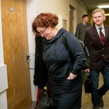 Teisiamų medikų advokatai bando juos gelbėti, net skandindami savo ginamųjų kolegas