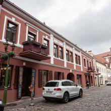 Neeilinė situacija Senamiestyje: oficialiai – palėpė, realiai – butas